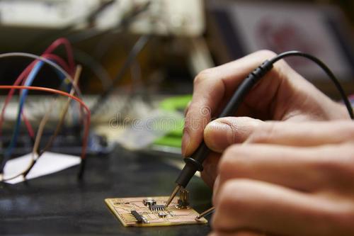 喷了必威亚洲官方登陆之后电路板还能焊接吗